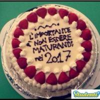 Maturità 2016, messaggi dalle classi sulle torte di fine anno