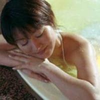 Fare un bagno caldo o un massaggio