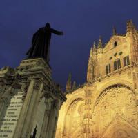 Facciata in stile romanico della Cattedrale di Salamanca