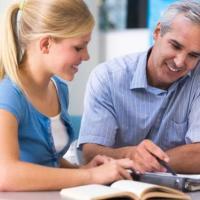 7) Frequenta i corsi organizzati dalla scuola