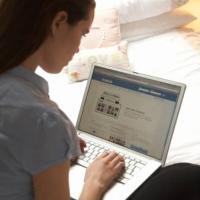 Adesso mi collego 10 minuti su Facebook poi studio