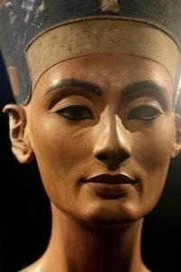 Busto di Nefertiti, matrigna di Tutankhamon