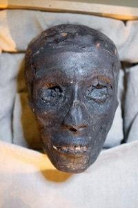 La mummia di Tutankhamon, il faraone bambino