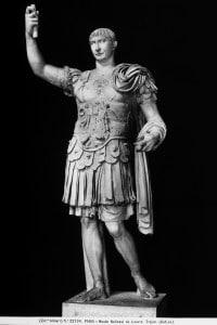 Statua di Traiano, conservata al Louvre di Parigi