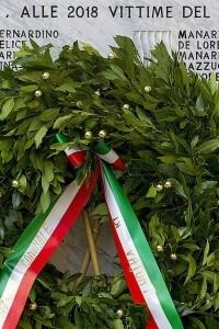 Targa in ricordo delle vittime del Vajont a Casso nel 2013, per il 50° anniversario della tragedia