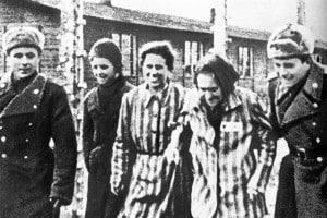 Foto della liberazione del campo di Auschwitz