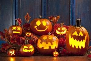 Zucche di Halloween intagliate