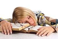 Metodo di studio: i trucchi per rimanere svegli