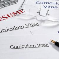 Secondo paragrafo: studi e lavoro