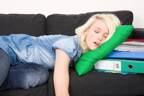 Dormire durante le ore di lavoro