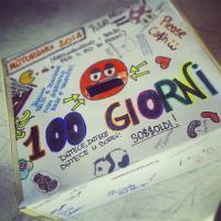 100 giorni: le scatole per raccogliere i soldi. Foto da Instagram