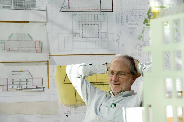 Renzo Piano eìnel suo studio