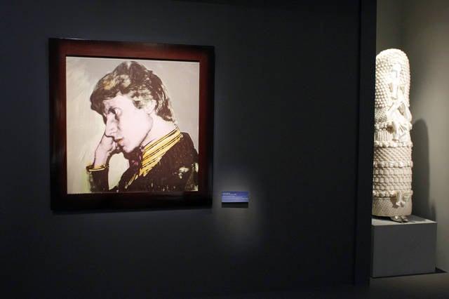 Il ritratto di Yves Saint-Laurent