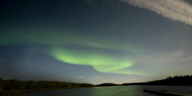 Aurora boreale sul lago Yellowknife