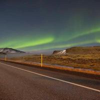 Aurora boreale sulla strada