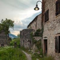 Cittadine di Erto e Casso dopo la frana del Monte Toc