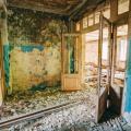 Fatiscente passaggio della scuola di Pripyat