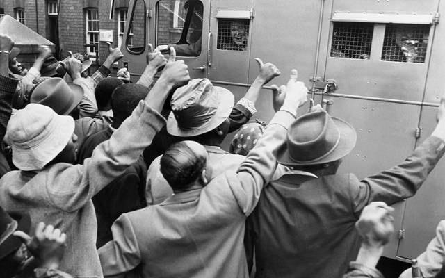 Militanti anti-apartheid per il processo a Johannesburg