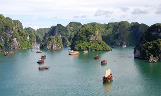 Baia di Ha Long in Vietnam