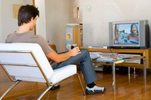 Studiare con la TV o con la radio accesa