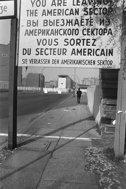 Il retro del muro di Berlino