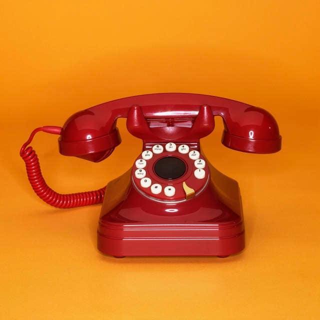 7 Il telefono