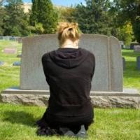 E' morto un parente del prof: dobbiamo stargli vicini al funerale