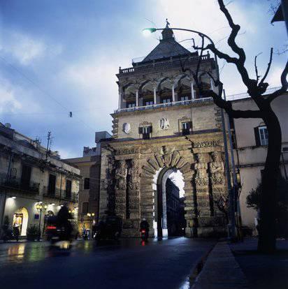 Scuola R.M., Palermo