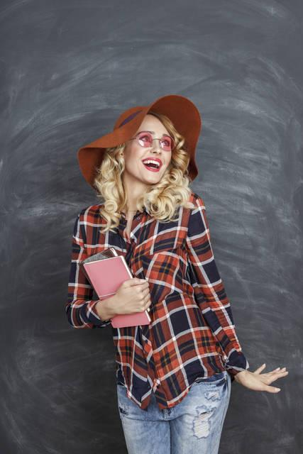 """""""La moda passa, lo stile resta"""". (Coco Chanel)"""