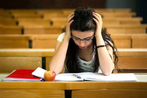 Dividi gli esami facili da quelli difficili