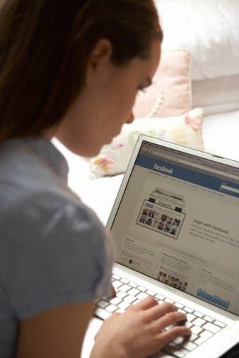 Aprire Facebook mentre cercate roba per la tesi