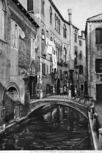 """Palazzo Centanni ora Istituto di studi teatrali """"Casa Carlo Goldoni"""" a Venezia"""