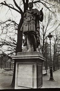Statua di Giulio Cesare a Parigi