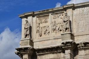Bassorilievo raffigurante Costantino e i barbari