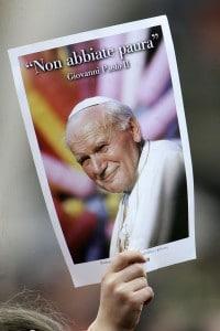 Immagine di Giovanni Paolo II e la sua famosa frase durante i funerali del 2005
