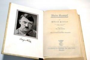 Una copia della prima edizione del Mein Kampf