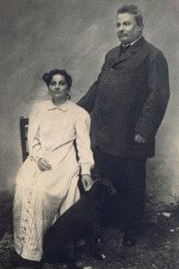 Ritratto di Giovanni Pascoli con sua sorella Maria