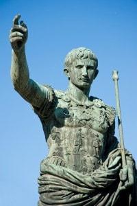 Statua raffigurante Ottaviano Augusto