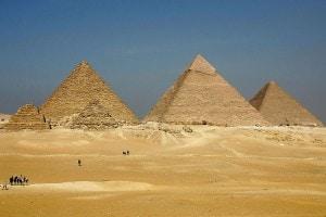Le piramidi di Giza, tra le sette meraviglie del mondo antico