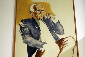 Ritratto di Alberto Moravia, posizionato nel suo studio a Roma