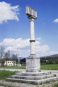 Colonna eretta in memoria della Battaglia di Campaldino del 1289