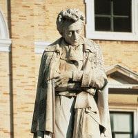 L'Infinito di Giacomo Leopardi: parafrasi e commento