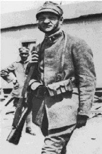 Foto di Giuseppe Ungaretti in divisa da militare