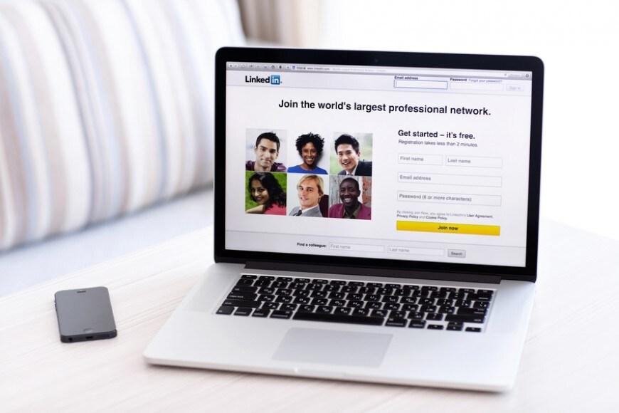 Come trovare lavoro con LinkedIn: il decalogo