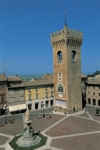 Piazza Leopardi a Recanati