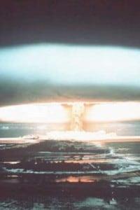 Immagine di un'esplosione atomica del 1971