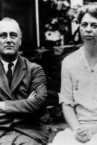 Franklin Roosevelt (1882 - 1945) e la moglie Eleanor, nota attivista per i diritti umani.