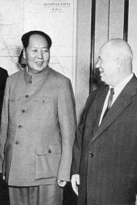 Mao Zedong nel 1955 a Mosca con Nikita Sergeyevich Khrushchev.