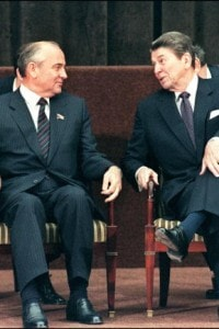 Il presidente U.S.A. ed il presidente dell'U.R.S.S. ad un summit a Ginevra, Svizzera.