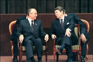 Ronald Reagan e Mikhail Gorbachev